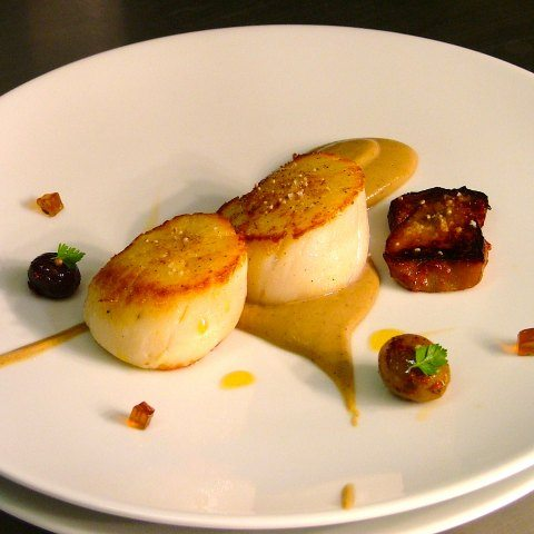 scallops, ceps, sherry jelly, cauliflower